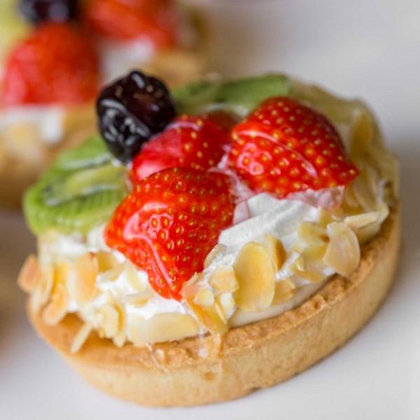 emeral-bakery-pastry-shop-corfu-egkainia-2
