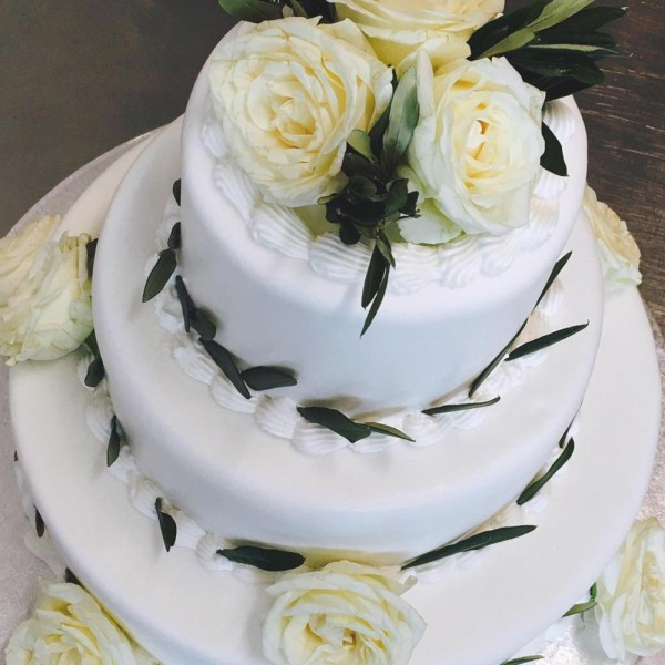emeral-bakery-pastry-shop-corfu-gamos-baptisi-wedding-cake-2