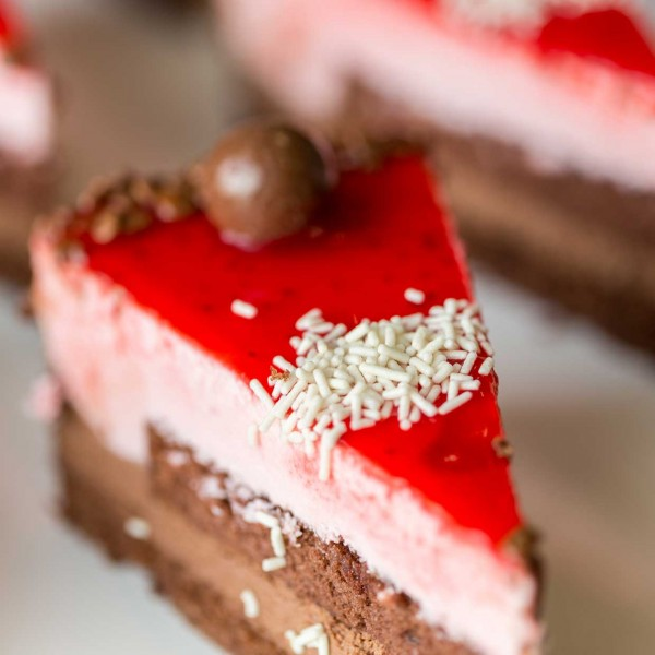 emeral-bakery-pastry-shop-corfu-genethlia-2