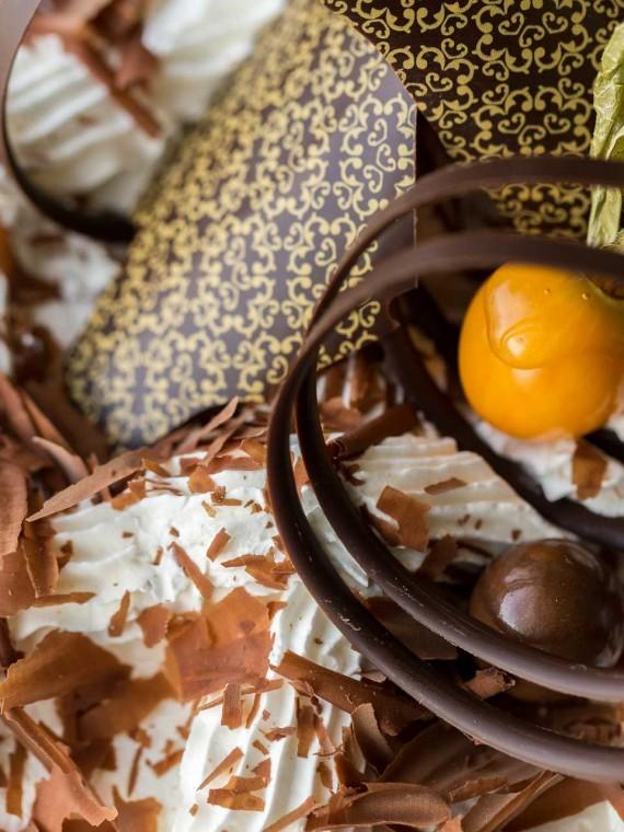 emeral-bakery-pastry-shop-corfu-tourtes-gkato-2