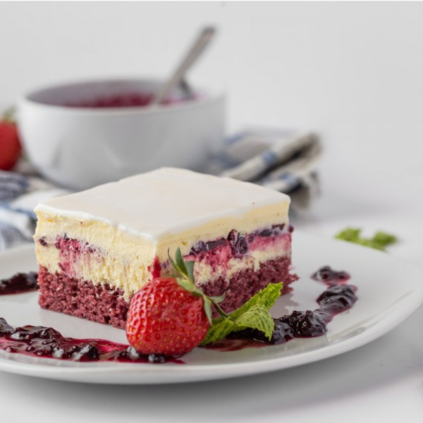 emeral-bakery-pastry-shop-corfu-tourtes-red-forest-semifreddo-1000-1000