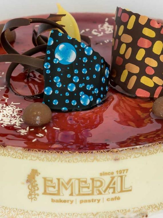 emeral-bakery-pastry-shop-corfu-tourtes-red-velvet-krema-turiou