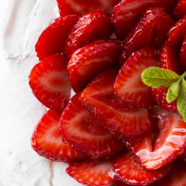 emeral-bakery-pastry-shop-corfu-tourtes-cakes-pavlova-3